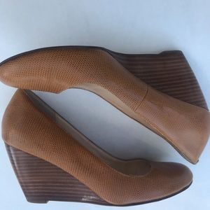 COLE HAAN | Brown Leather Wedge Heels.